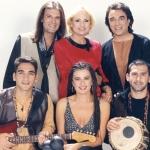 1996. Με τη μεγάλη κυρία του ελληνικού τραγουδιού Βίκυ Μοσχολιού.
