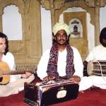 2006. Μουσικό ταξίδι με ντόπιους μουσικούς από το Ρατζαστάν.
